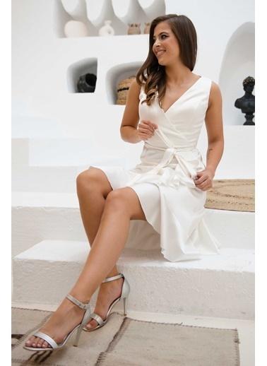 Carmen Eteği Fırfırlı Saten Abiye Elbise Ekru